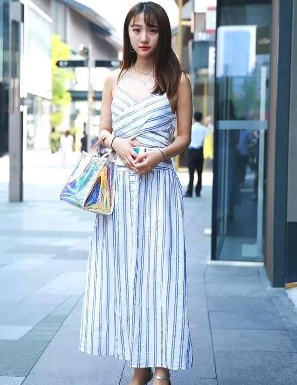 文艺清新的连衣裙,穿出自己的魅力,更显美丽优雅的气息