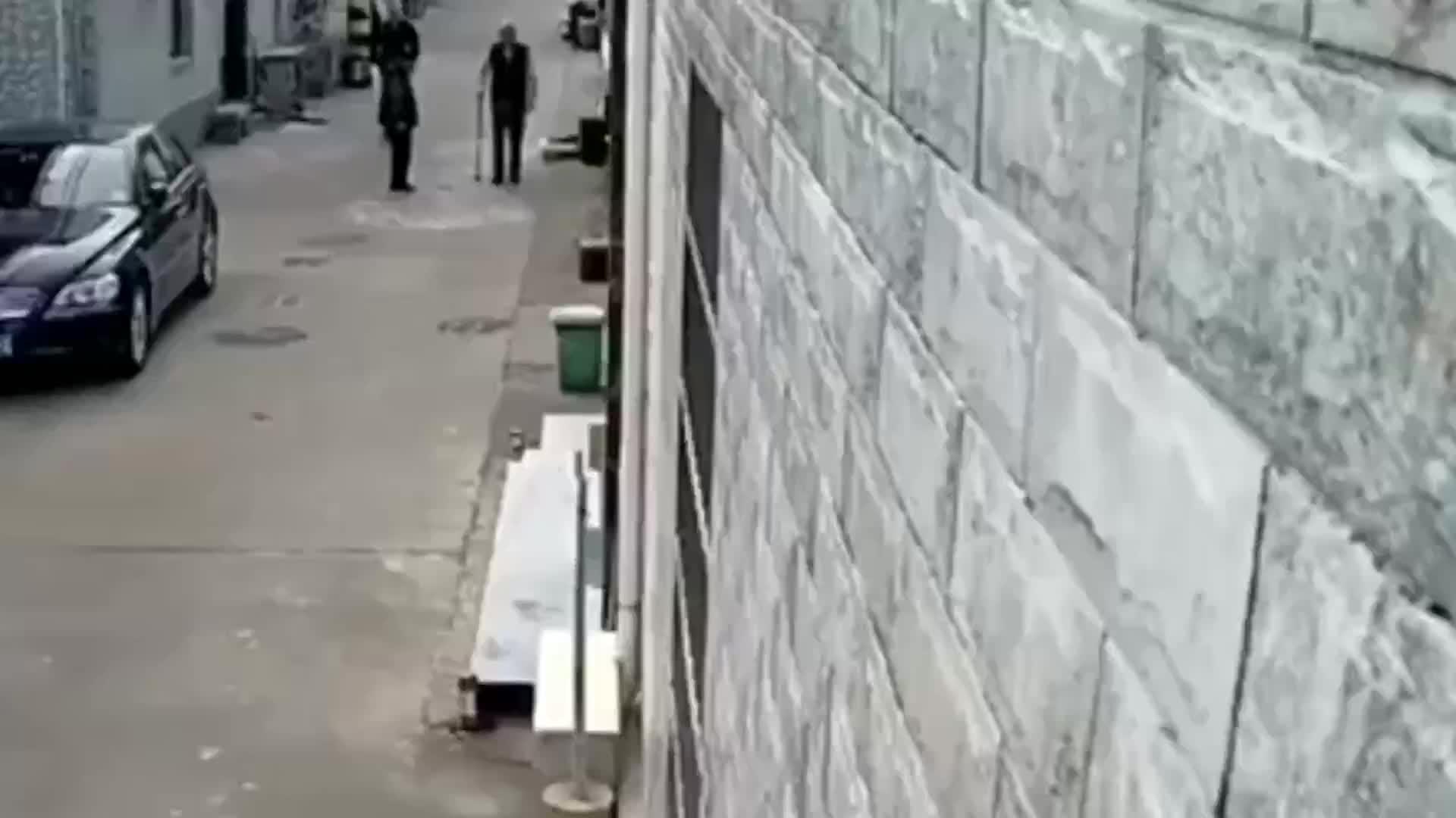 连捅多刀杀害老人!死者生前疑似曾遭威胁报警!