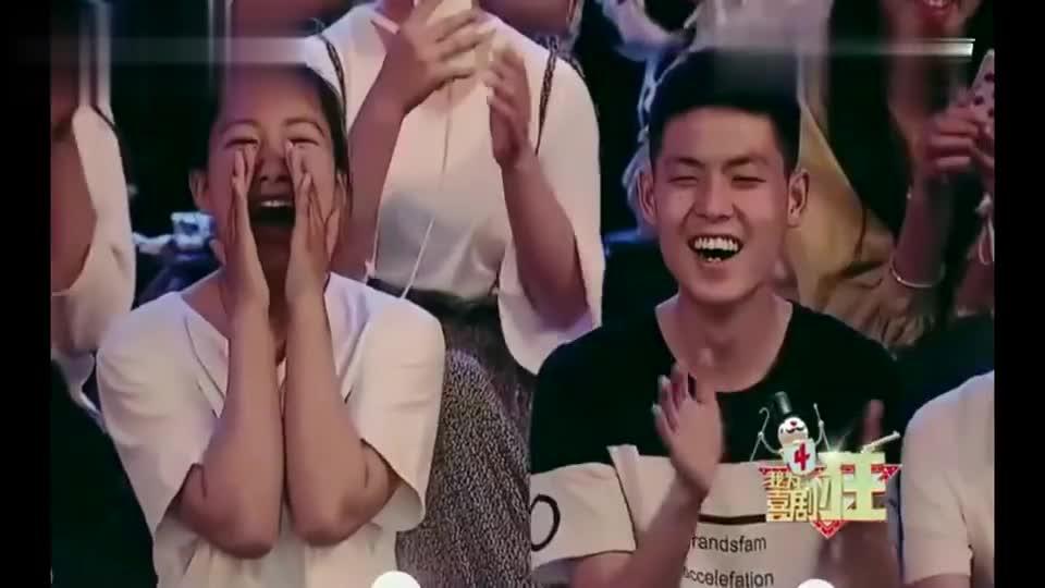 潘长江跳C哩C哩,台下观众哈哈大笑!太搞笑了
