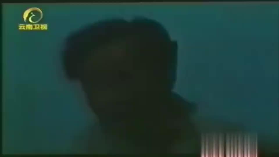 """1988年,科学家在喀纳斯湖撒网捕捞""""水怪"""",全程被追踪拍摄"""