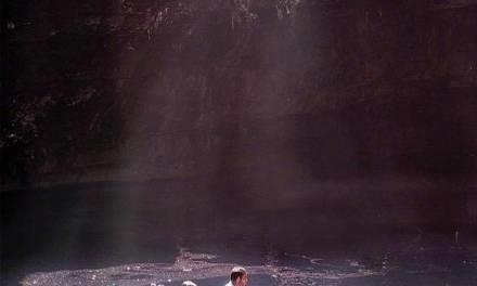 希腊梅利萨尼岩洞里的地下海水湖,地处希腊凯法利尼亚岛附近