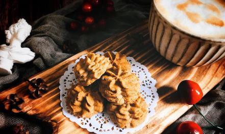 咖啡小花云顶曲奇饼干