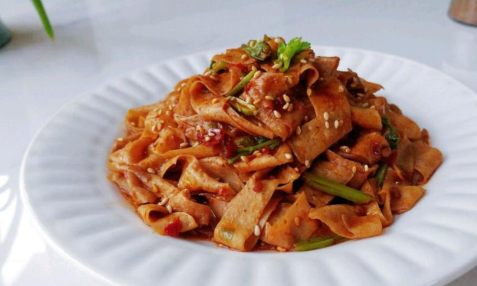 麻辣酱香油豆皮:上瘾的味道,越吃越想吃!