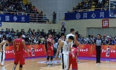广东队40分大胜对手!杜锋带队收获冠军 张昊和曾繁日爆发