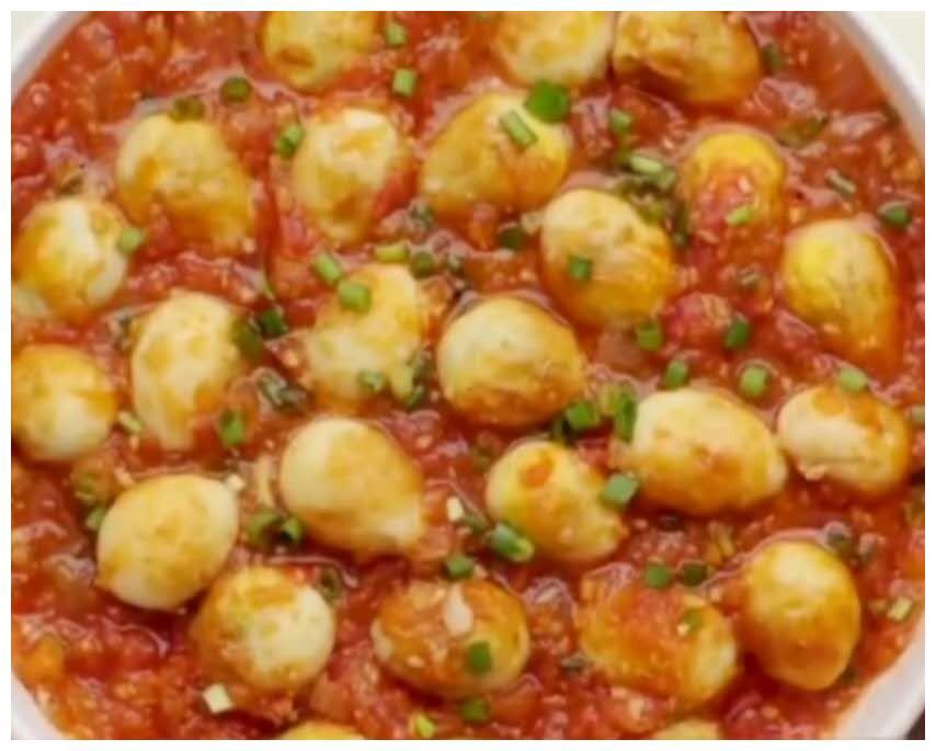 周末美食DIY|热乎的番茄虎皮蛋拌饭,和秋天更相配