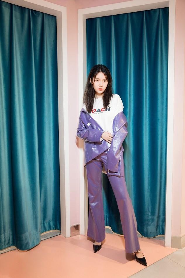 王子璇完美展现甜心女孩霸气女王双重气质写真