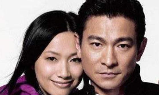 知名女模朱丽倩,曾用22年时间等待爱情,如今54岁被宠成公主