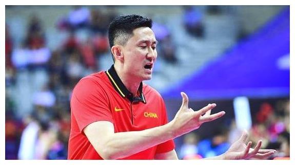 中国男篮吹响集结号!最终十二人预测名单出炉,杜锋比李楠更高明
