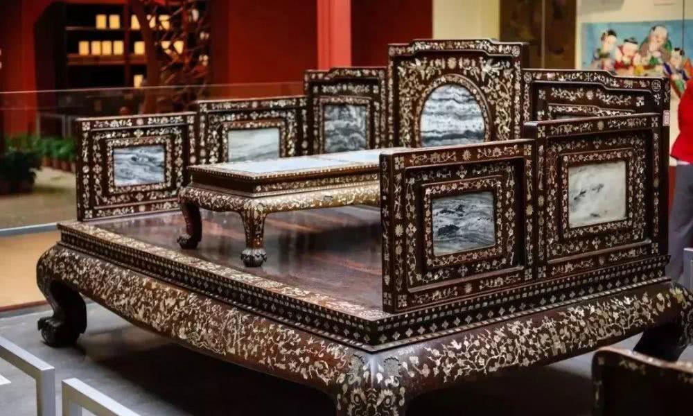 """""""最理想的卧具"""":罗汉床的典故及明清两代的区别"""