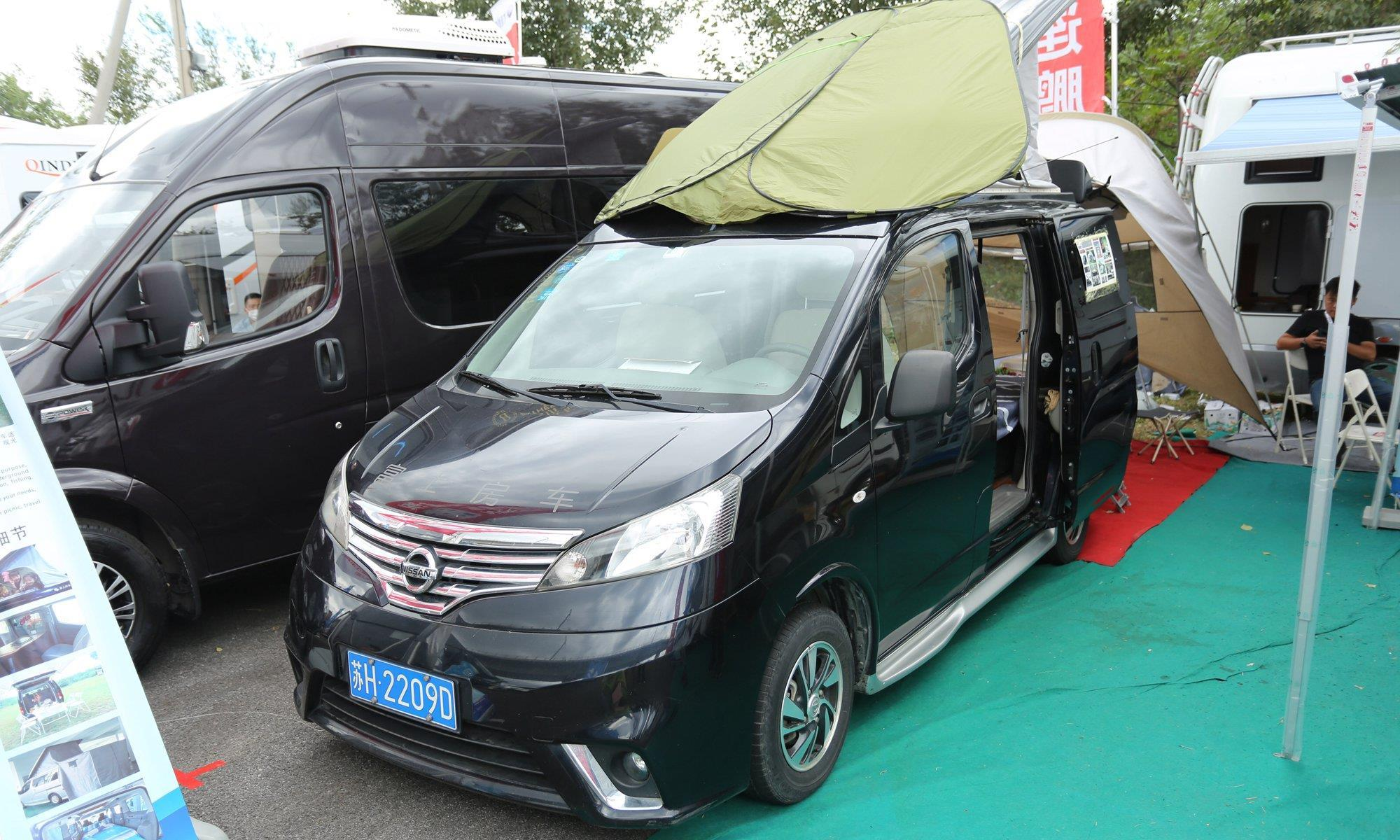 日产NV200露营房车,1.6L+CVT自动挡,带升顶睡四人