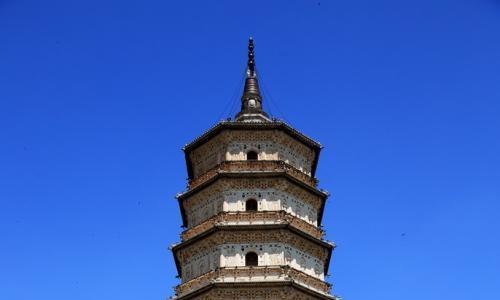 造型玲珑秀美、浮雕精湛细腻、规模宏伟壮观,内蒙古释迦佛舍利塔