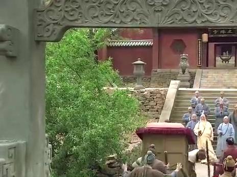 金翠莲来寺庙捐赠东西,也顺路来看看鲁智深,有话要和他说