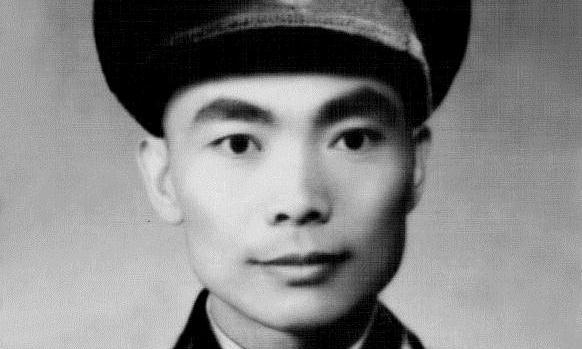 解放海南岛时,他率800勇士第一批登陆,却只授大校军衔