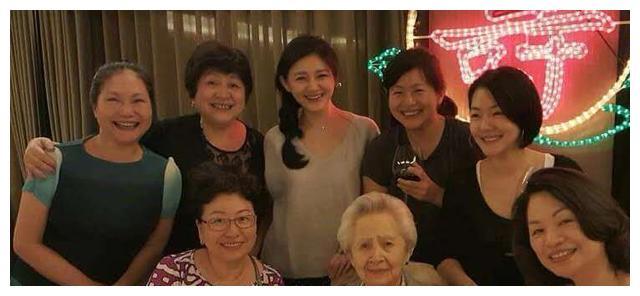 汪小菲深夜悼念大S奶奶,透露结婚选址秘密超有心,粉碎婚变传闻