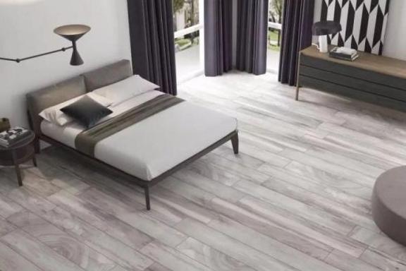 家里装修不要铺木地板了,头次见有钱人用这种代替,太聪明了