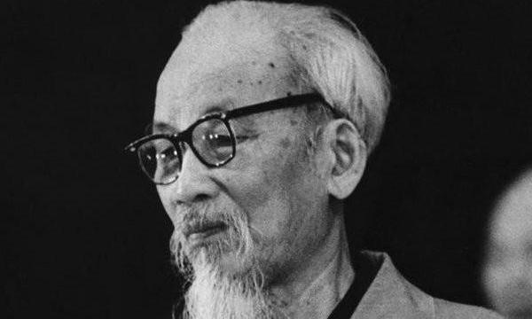 胡志明精通汉语,但独立建国后,却立马下令越南废除汉字,为何?