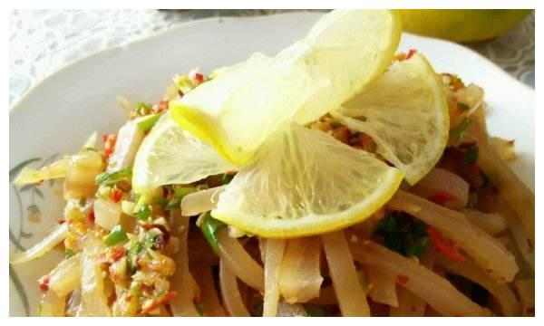 让舌尖痛快的美食!教你开胃解馋的柠檬拌猪皮,营养好吃超下饭