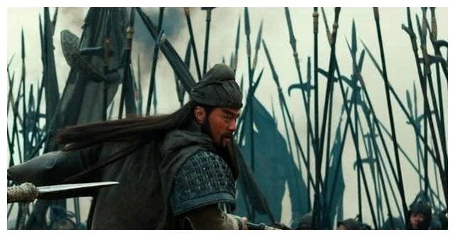 关羽北伐襄樊,曹操派出于禁救援襄樊,为何不派夏侯惇率26军救援