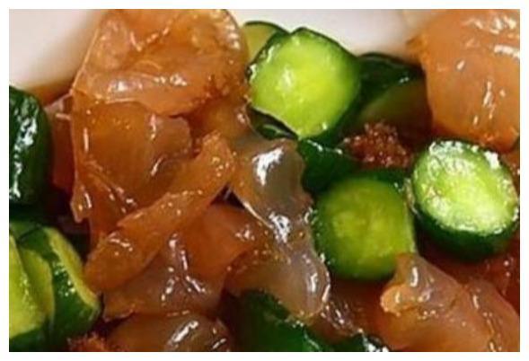 油拌萝卜丝,白萝卜卷肉馅,拌海蜇这几道家常菜的做法
