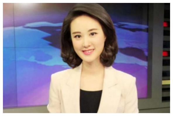"""她是重庆""""最美""""高考状元,今当上央视主持人,39岁依旧单身"""