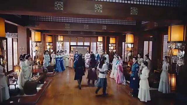 锦绣未央:拓跋俊在宴会上送未央簪子,被长乐看到直嘟嘴!
