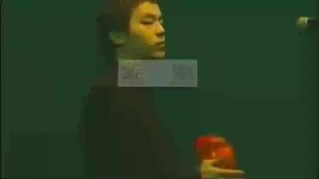1994年香港红磡演唱会,窦唯一首《噢乖》手摇铃鼓那个妖啊!