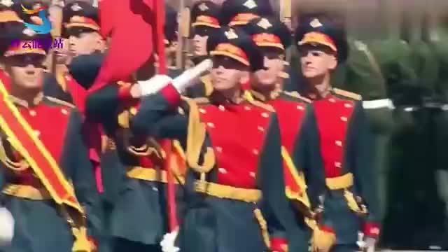 俄罗斯红场大阅兵,各国军队受阅步法大比拼,谁更胜一筹!