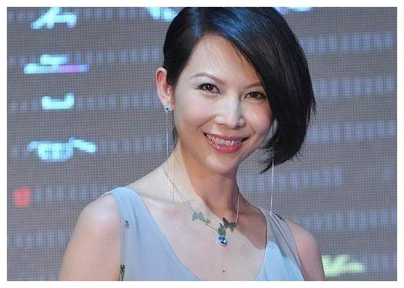 蔡少芬花边婚纪念,陈法蓉留言显心酸,美好爱情何时来?