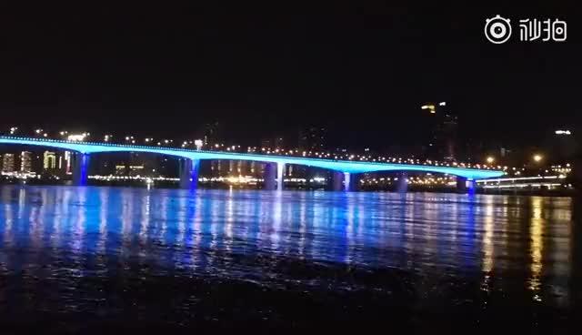 只有在夜深,我和你才能,在江边宁静,华为P10在4年的珍藏视频