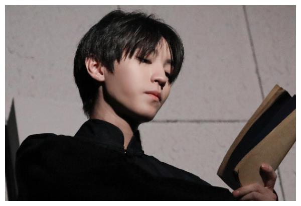 北电17级毕业合照曝光,认出了王俊凯,却没认出《棋魂》中的他