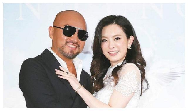 刘真45岁冥诞,闺蜜杨丽菁失眠,发两人生前美照,用词温柔惹泪奔