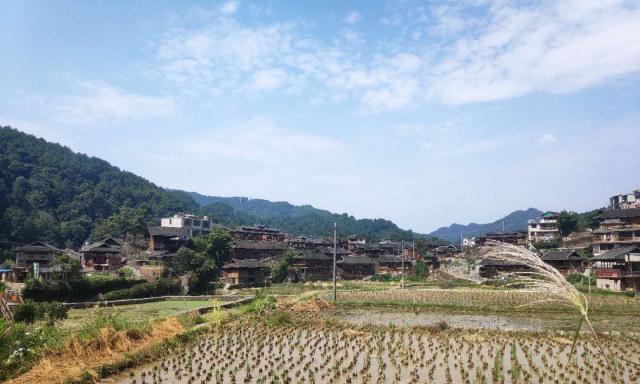 贵州省黔东南州自驾游,空空荡荡的苗寨看不到一个人