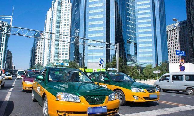 为什么再好的车都不及出租车快?老司机:关键看操作