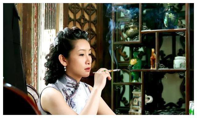 秦海璐儿子先天遗传性巨婴,她是高龄产妇,为什么还要冒险产子?