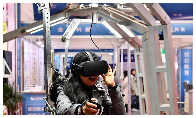 论:高维战争,VR眼镜头盔在战争领域的实际应用!