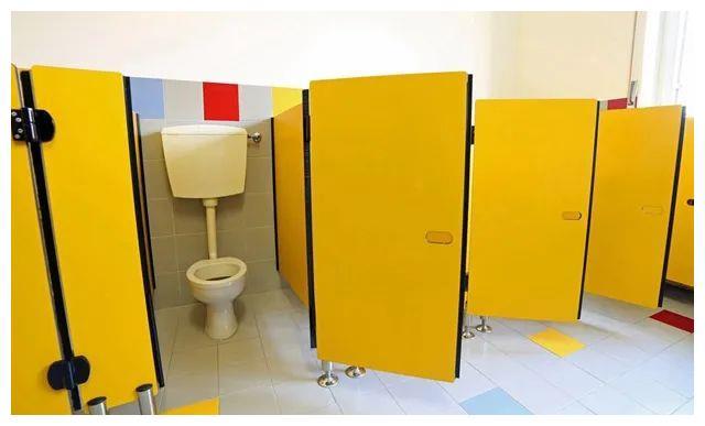 宝宝出现3个信号,暗示是进入如厕训练的好时机,家长要把握住