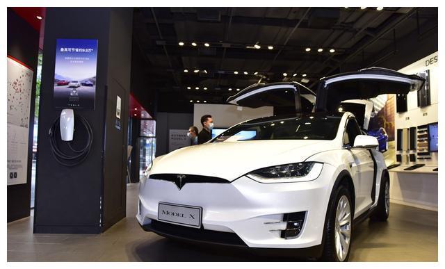 开新能源车,长途自驾游还在担心续航?看特斯拉是如何解决的