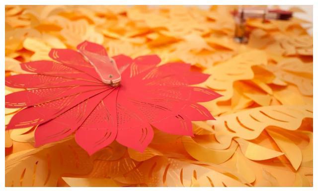 旋转纸花,当传统纸艺遇上现代科技