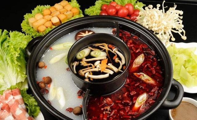 """吃火锅时,服务员总问你""""是否加汤""""?实际意义不一般,全是套路"""