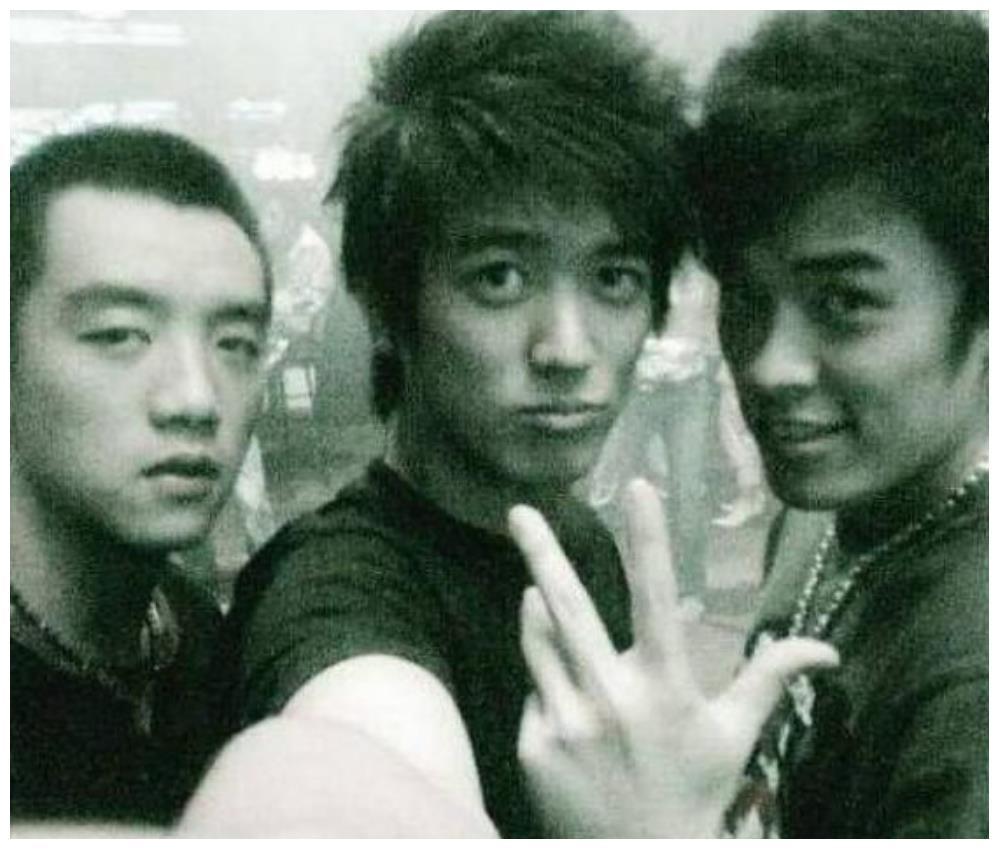 陈赫大学宿舍4个人,3个人混成一线巨星,唯独他不温不火!