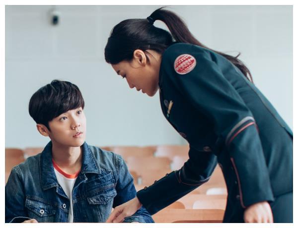《上海堡垒》后,滕华涛又一力作将映,这次合作依旧是老熟人