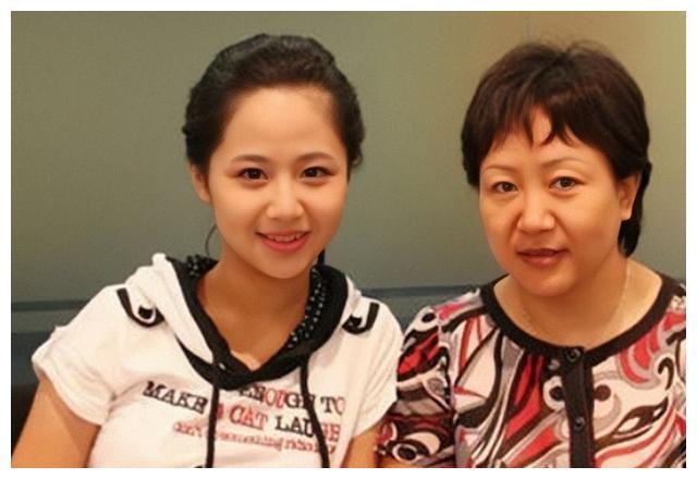 说黄子韬妈妈生了个自己,那你是没见过杜海涛和王祖蓝的妈妈