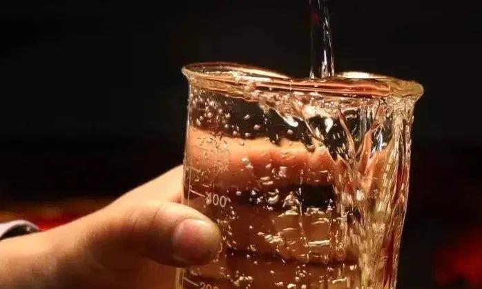 为何窖藏的年份酒喝着比较香?