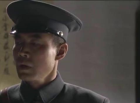 警卫员替朱哥伤心,想让他把那罪人干掉,谁知朱哥死活不肯