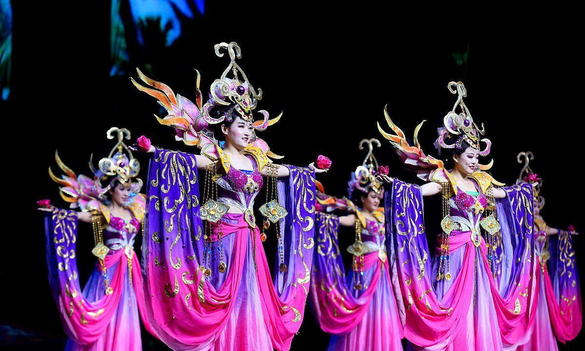 中国古体词欣赏,满江红,中国南海旅都,避暑消闲圣地琼岛三亚