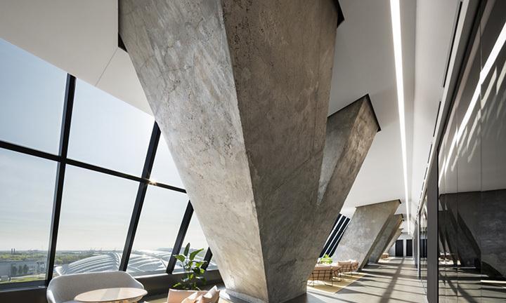 历史建筑改造办公室,竟能将光泽线条与混凝土结构相契合