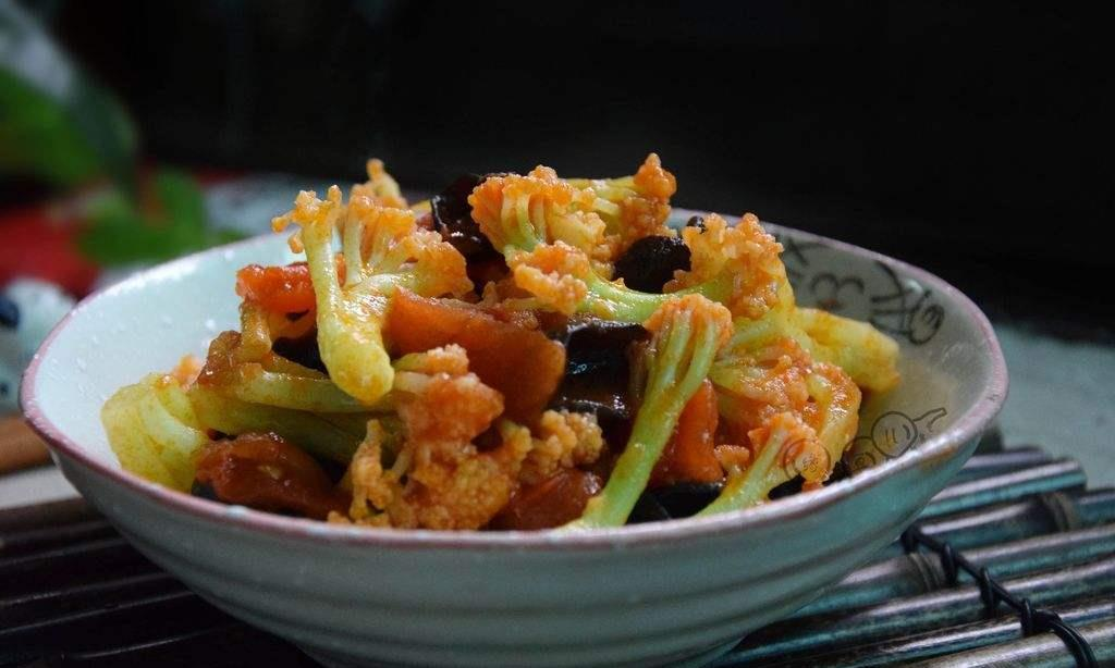 教你营养好吃的番茄木耳烧菜花,香气四溢超美味,孩子总也吃不够