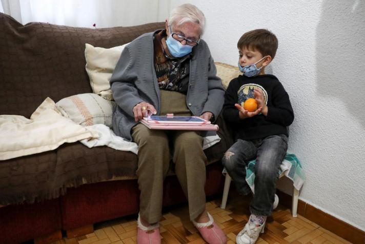 99岁的奶奶西班牙正在击败COVID。 西班牙