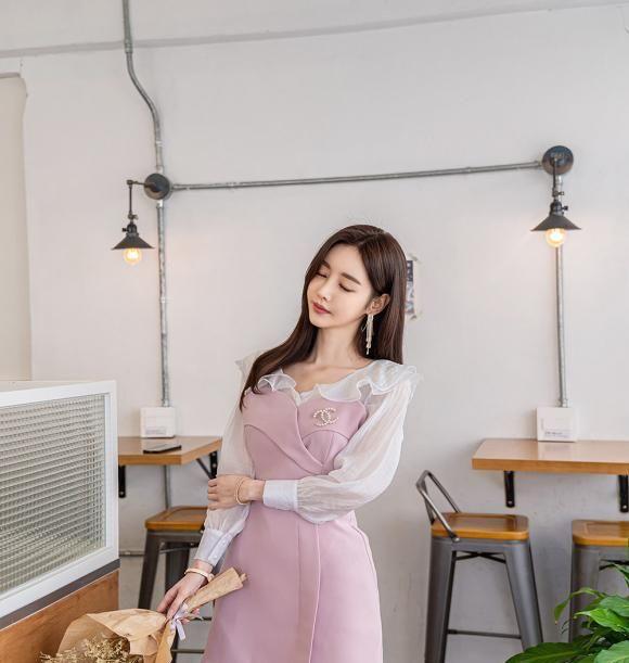 美女模特孙允珠高清美图:纯爱奶昔草莓布丁透明蕾丝裙