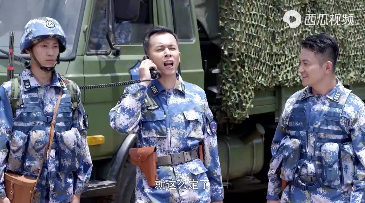 军事记者小瞧的女兵,竟是军区超级枪王,山豹旅真厉害